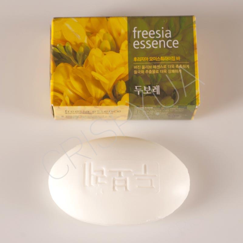 Душистое мыло для рук и тела Amore Pacific Happy Bath FREESIA ESSENCE SOAP - 100 г