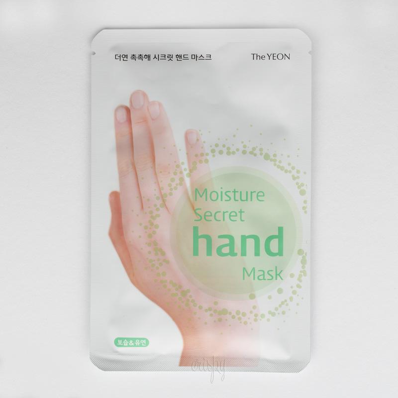 Глубоко увлажняющая кожу рук маска Moisture! Secret Hand Mask The YEON - Фото №2
